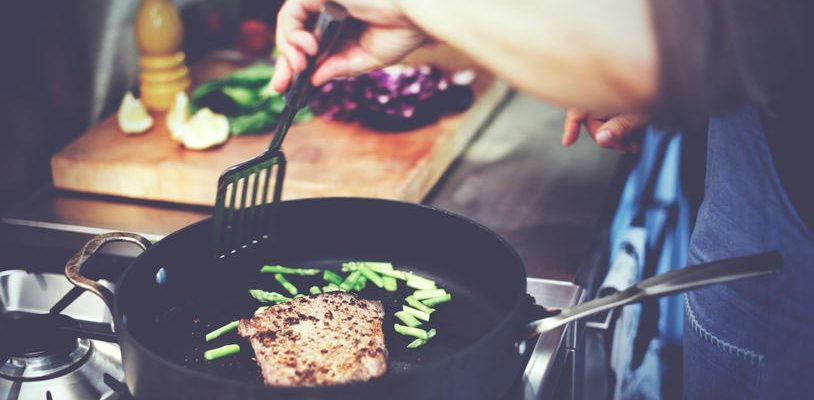Cooking Hacks for Quick and Easy Meals at Home