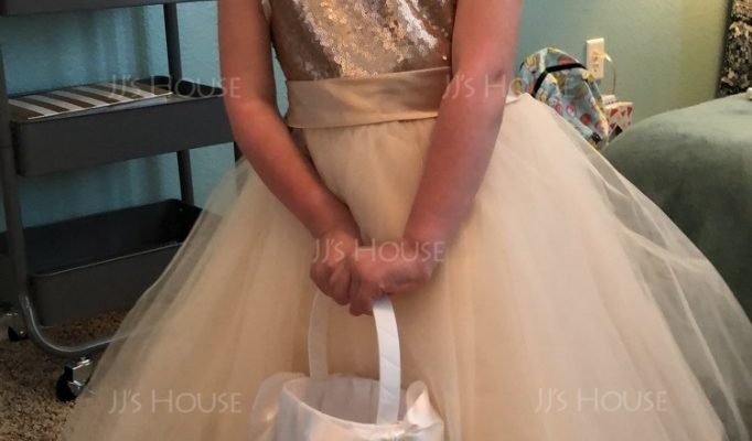 How to Make Quiet and Shy Little Girls to be Poised on Your Wedding Day