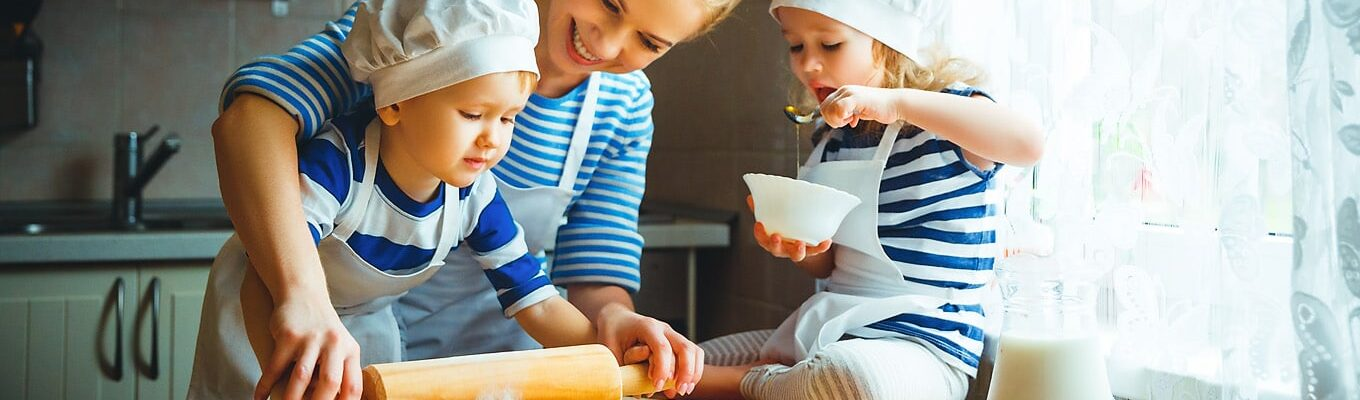 4 Tips For Teaching Your Kids How to Cook